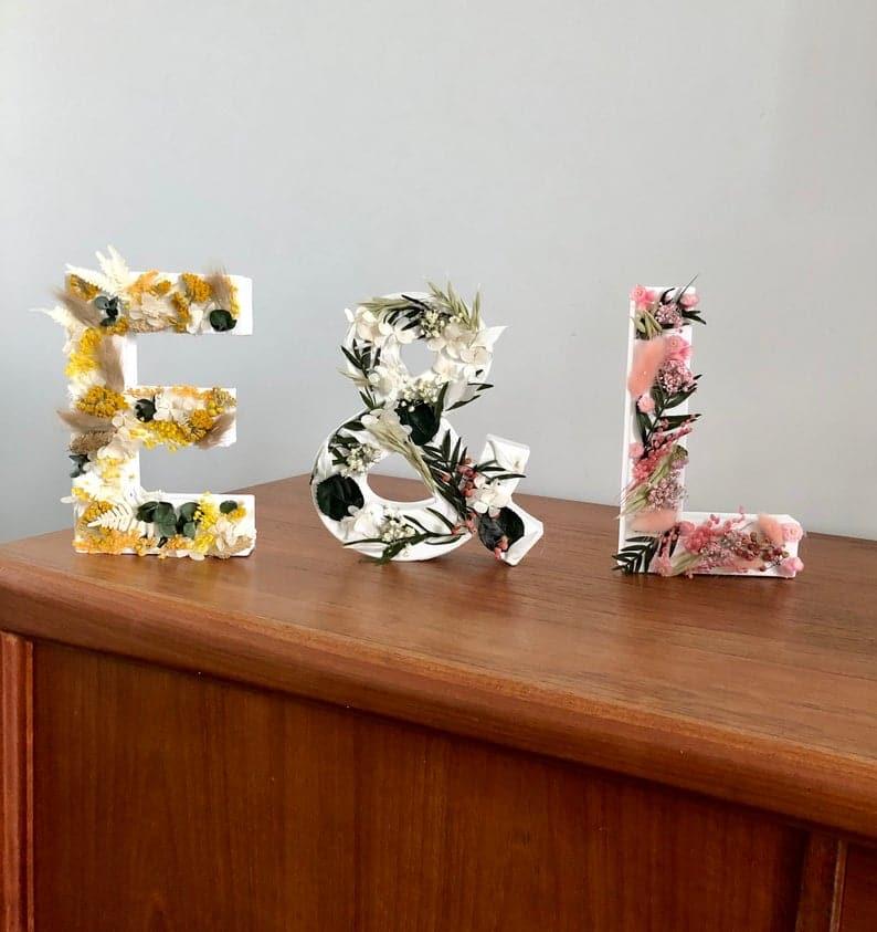 Assemblage de 3 Lettre fleuries en fleurs séchées - Initiales de couple